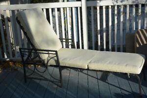 Lawn chaise