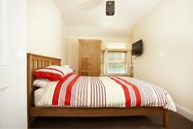 LARGE ROOM TO RENT, TV WITH SKY TV PACKAGE INC, ALL BILLS INC, FULLY FURNISHED, WIFI, CLEANER