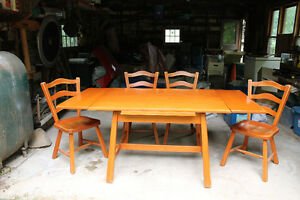 Vilas ( 1950's) Rock Maple Expandable Dining Table & Chairs