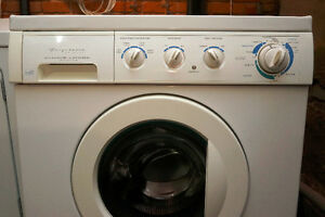 Laveuse sécheuse compactes / Front-Load Washer and Dryer
