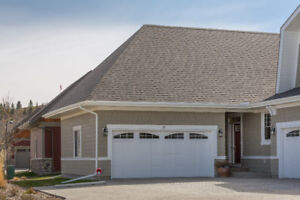 Executive Style Bungalow in Cochrane