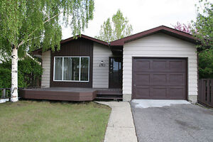 *** NEW RENO ENTIRE HOUSE 4 BDRM with GARAGE ***