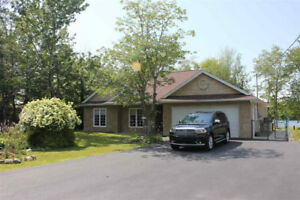3 Bedroom Bungalow Rental in Lake Echo!