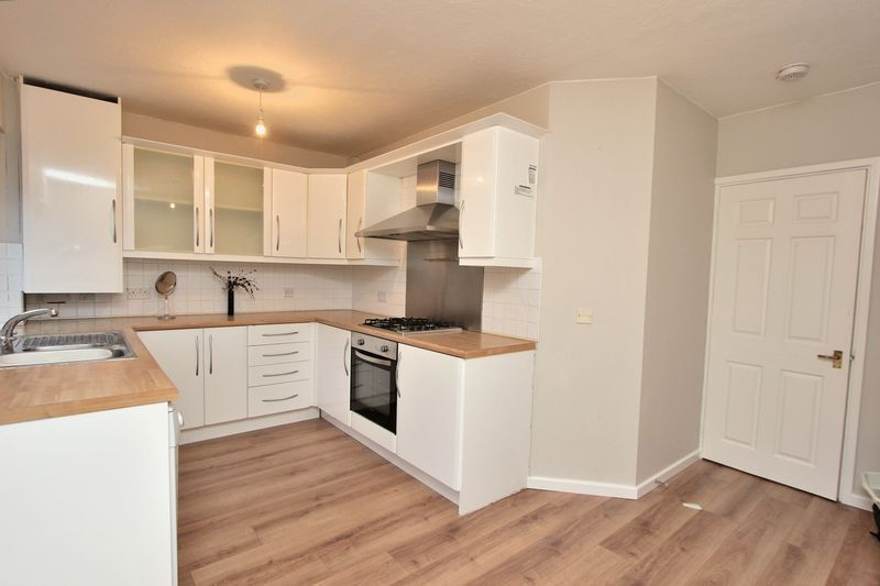 CALLING ALL STUDENTS 4 BEDROOM 3 BATHROOM TOWNHOUSE IN GREENWICH OFFERED FURNISHED SE10 GREENWICH