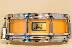 Pearl Free-Floating Maple Snare Drum