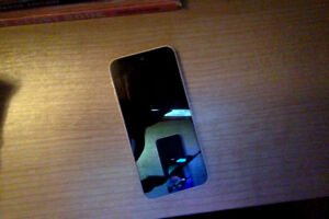 iPhone 5C with broken LCD, cheap to fix