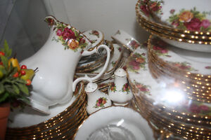 LOOKING TO BUY A 10 CUP TEA POT-  ROYAL DOLTON OLD COUNTRY ROSE-