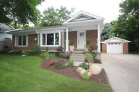 GORGEOUS BUNGALOW WITH REGISTERED APARTMENT!
