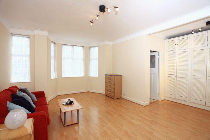 1 bedroom flat in Abbey Road, London, NW8