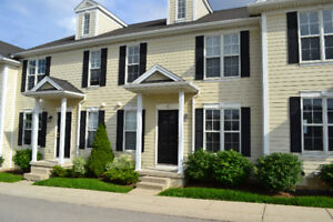 Great 5 bedroom townhouse! Close to UWO