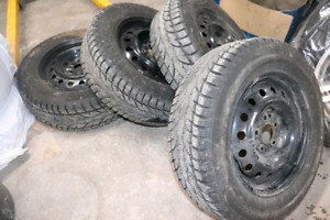 Winter Tires/All Season Tires Size 215 60R17