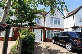 4 bedroom house in Oakleigh Gardens, Whetstone, N20