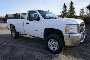 2011 Chevrolet HD 4 x 4 Truck with Fisher 2016 8.5' v-plow