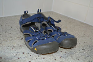 Boys sandals KEEN size 4
