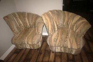 Set of 2 Beautiful Upholstered Chairs!