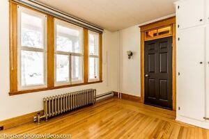 Beau bureau professionnel à Vaudreuil avec grande fenêtre West Island Greater Montréal image 3