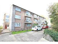 2 bedroom flat in Roe Green, Kingsbury, NW9