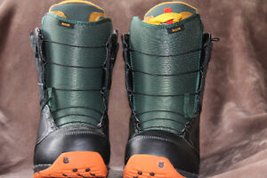 BARELY USED SNOWBOARD BOOTS- AMAZING VALUE!!!
