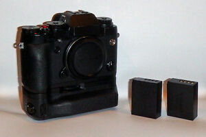Fujifilm X-T1 body with Grip and 2 batteries