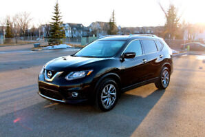 2015 Nissan Rogue SL Premium AWD, Heated Leather, Nav, Bluetooth