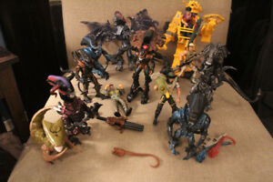 VINTAGE KENNER ACTION FIGURE LOT,TERMINATOR/ALIENS