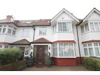 4 bedroom house in Mayfield Avenue, North Finchley, N12
