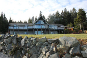 Spectacular, unobstructed ocean view executive Lindal home.