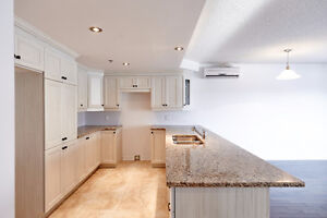 Beautiful and fully renovated home West island Indoor garage
