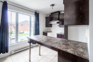 Modern and spacious 3 Bedrooms condo near Dix30 in Brossard