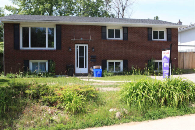 3 Bedroom All Inclusive Upper Level For Lease In Central ...