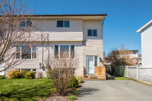 Lovely Semi-Detached in great area! 16 Cannon Cr. Only $160,000!