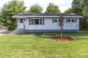 Newly Renovated House in Beautiful Riverview Community
