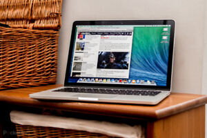 MINT CONDITION MACBOOK PRO 13inch 2013
