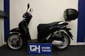 2016 HONDA SH125 BLACK | 1 OWNER FROM NEW | 1,700 MILES | TOP BOX FITTED