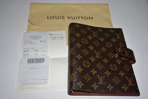 LIKE NEW LOUIS VUITTON LARGE RING AGENDA WITH DIVIDERS