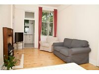 FESTIVAL: Newly renovated 3 bed festival flat in prime location. Available 15th-31st August