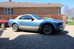 2006 Ford Mustang Convertible Very Low KM's