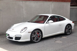 2011 Porsche 911 carrera Coupe (2 door)