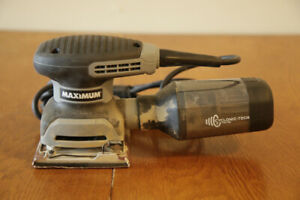 MAXIMUM 1/4 Sheet Sander with Dust Collector