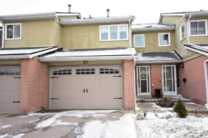 2-Storey Condo Townhouse 3 Bed / 4 Bath / Fin Bsmnt