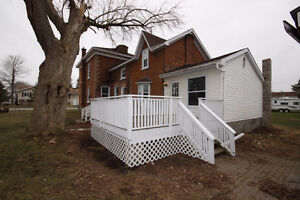 Renovated, Pet Friendly, Close to Waterfront for Rent!!!