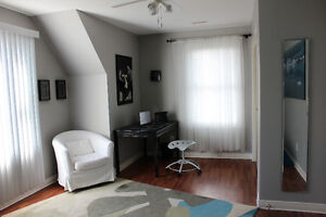 Beautiful 2 bdrm furnished suite near Gage Park
