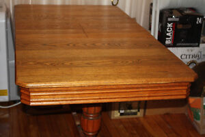 Quebecois Antique oak dining room table and 4 chairs West Island Greater Montréal image 5