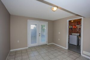 Move in Condition, End unit with walkout. London Ontario image 7