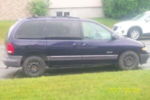 1999 Plymouth Voyager Fourgonnette, fourgon