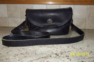 Roots Classic Black Leather Purse