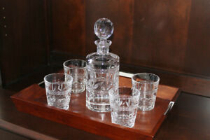 Beautiful decanter set, with tray