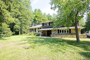 Beautiful Four Bedroom with Acessory Dwelling Cornwall Ontario image 2