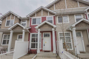 WELL-PRICED TOWNHOME IN THE HEART OF TERWILLEGAR TOWNE!