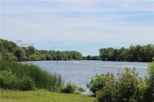 ~~AFFORDABLE WATERFRONT!~~ Trent Severn Waterway! Turn Key!